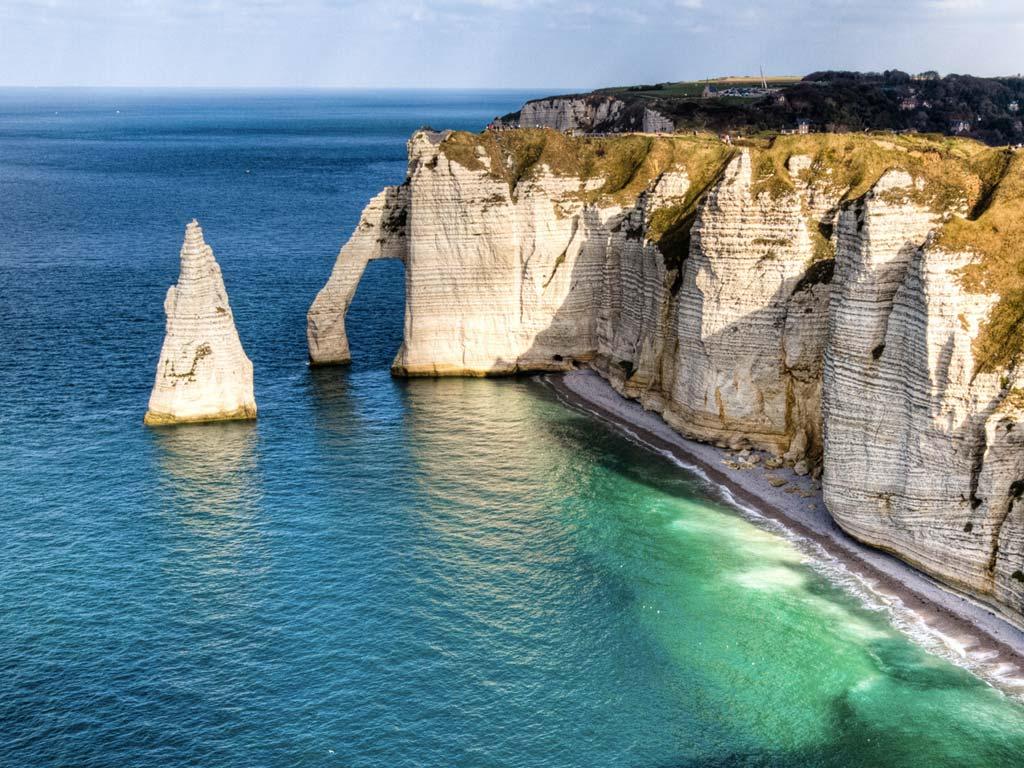 Les falaises d tretat en normandie - Office de tourisme d etretat ...